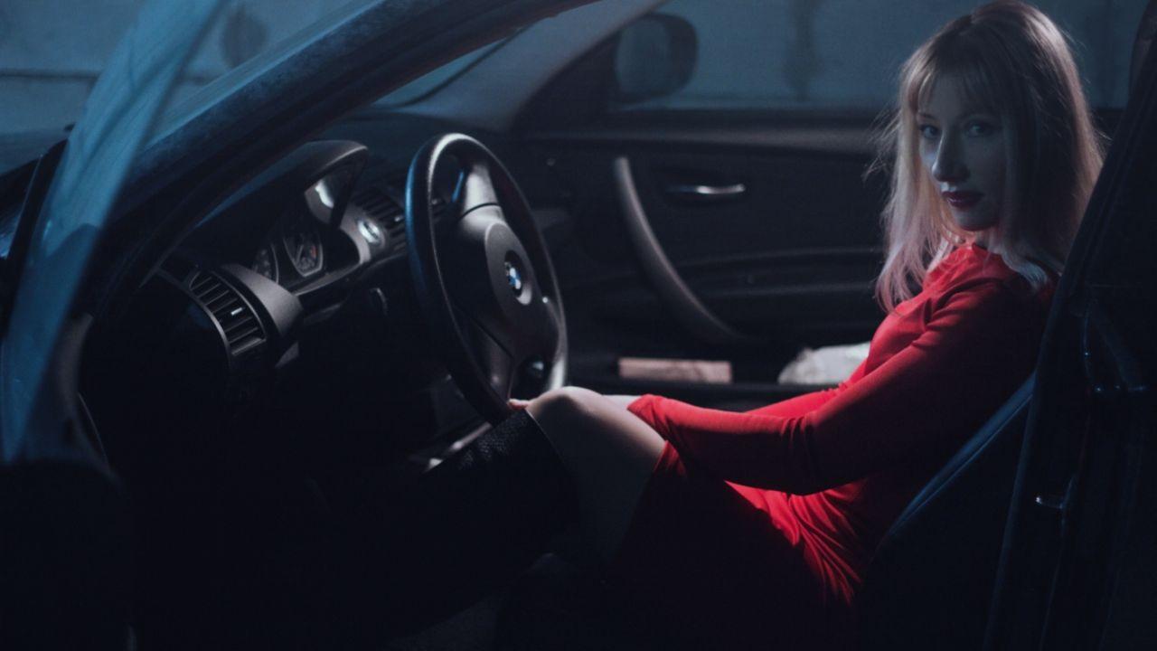 auto van de zaak vrouw