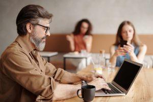 Besparen online marketing